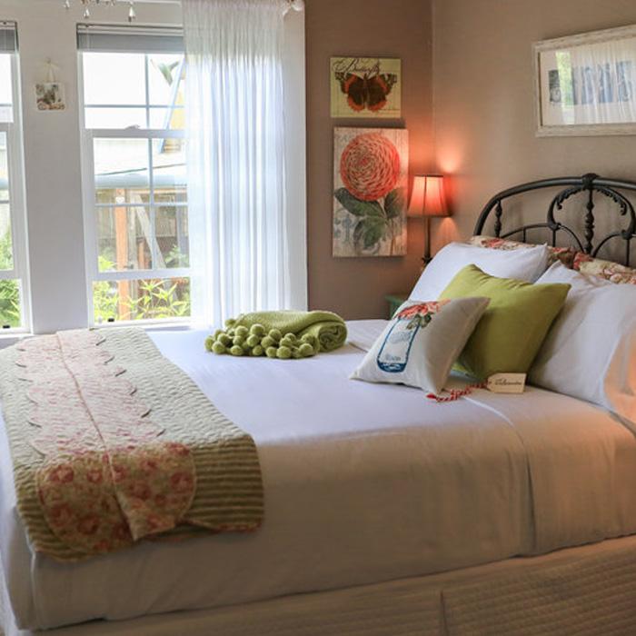 The Carlton Inn Bed & Breakfast - Carlton, Oregon